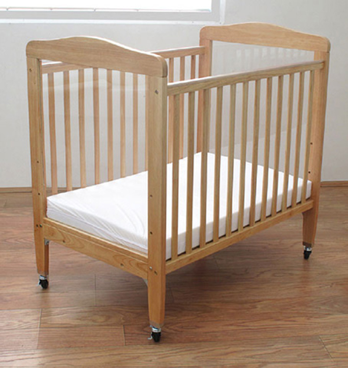 Compact Adjustable Wooden Window Crib