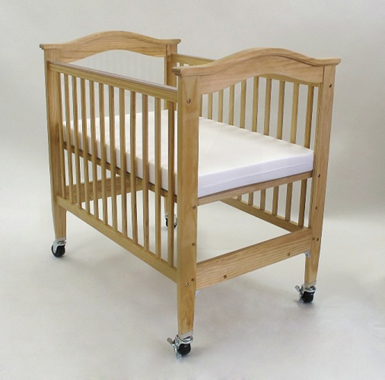 Berkshire Adjustable Wooden Window Crib