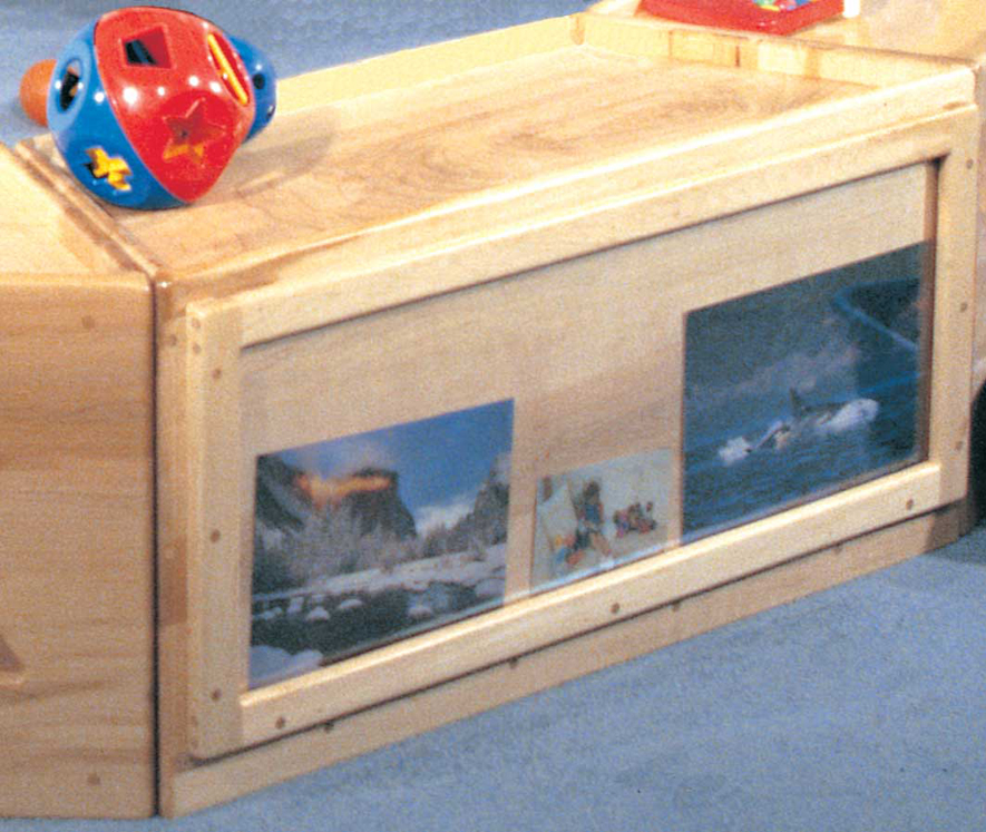 Deluxe Trapezoid Cruiser Cabinet with Picture Display Window